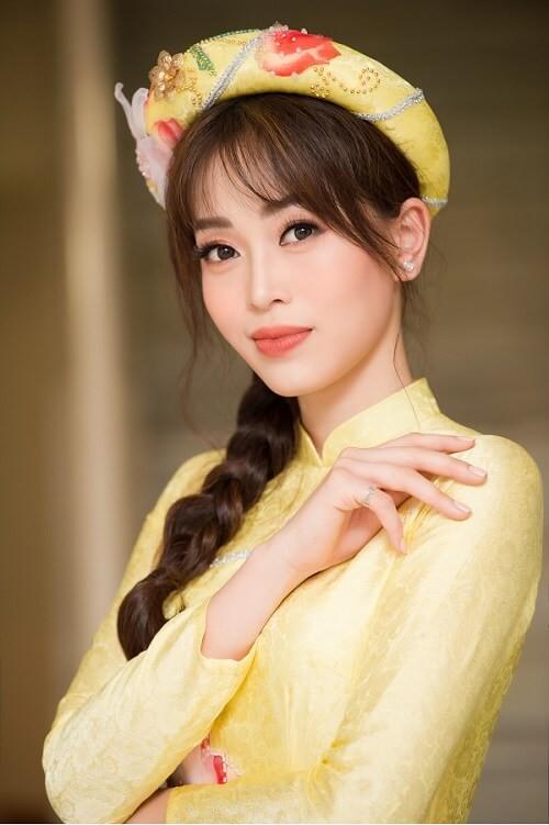 Á hậu Phương Nga tham gia trình diễn BST áo dài của Hoa hậu Ngọc Hân - ảnh 4