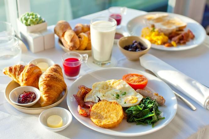 Tin được không, ăn sáng đúng cách sẽ giúp bạn thấy hạnh phúc suốt cả ngày - ảnh 1