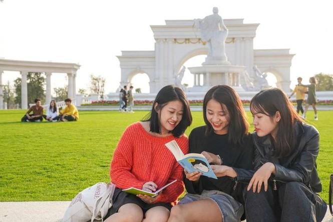 Cận cảnh trường Đại học VinUni: Xịn xò chẳng khác nào những ngôi trường ở châu Âu - ảnh 13