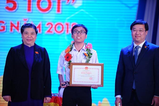 Vinh danh 190 Sinh viên 5 tốt cấp Trung ương