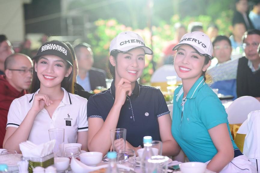Dàn Hoa hậu, Á hậu gợi cảm tại đêm gala trao giải Tiền Phong Championship 2020 - ảnh 7