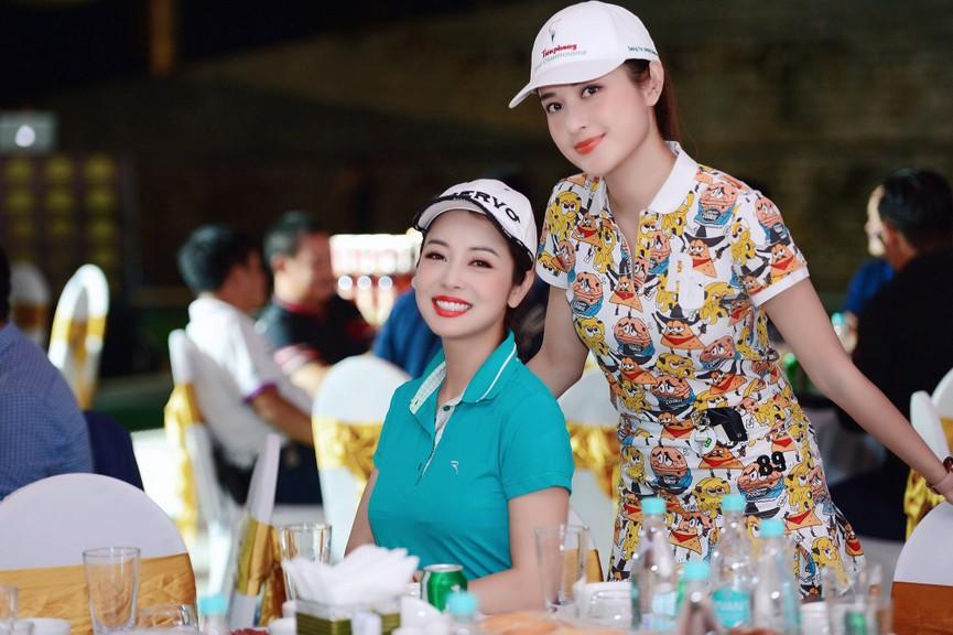 Dàn Hoa hậu, Á hậu gợi cảm tại đêm gala trao giải Tiền Phong Championship 2020 - ảnh 9