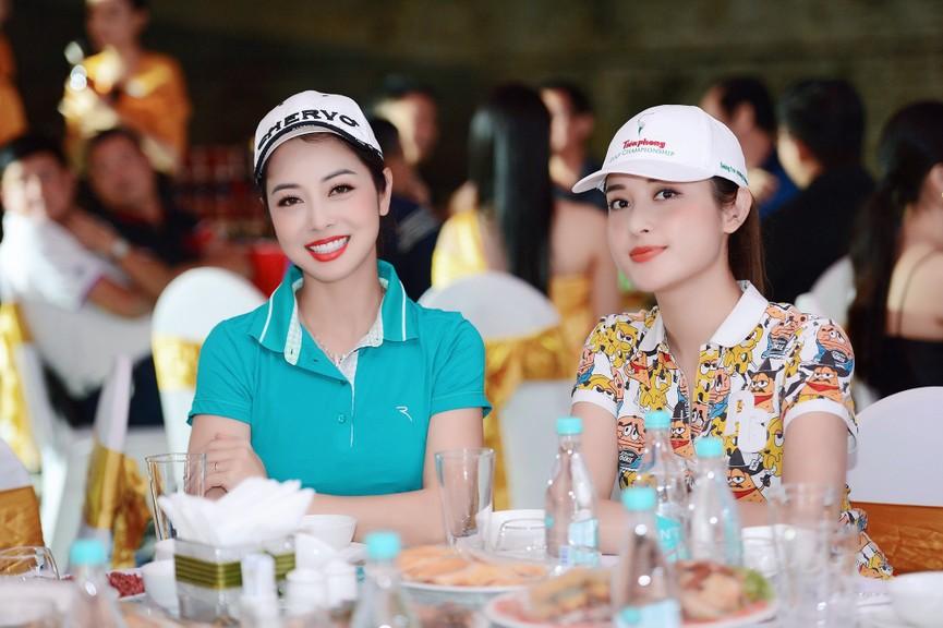 Dàn Hoa hậu, Á hậu gợi cảm tại đêm gala trao giải Tiền Phong Championship 2020 - ảnh 8