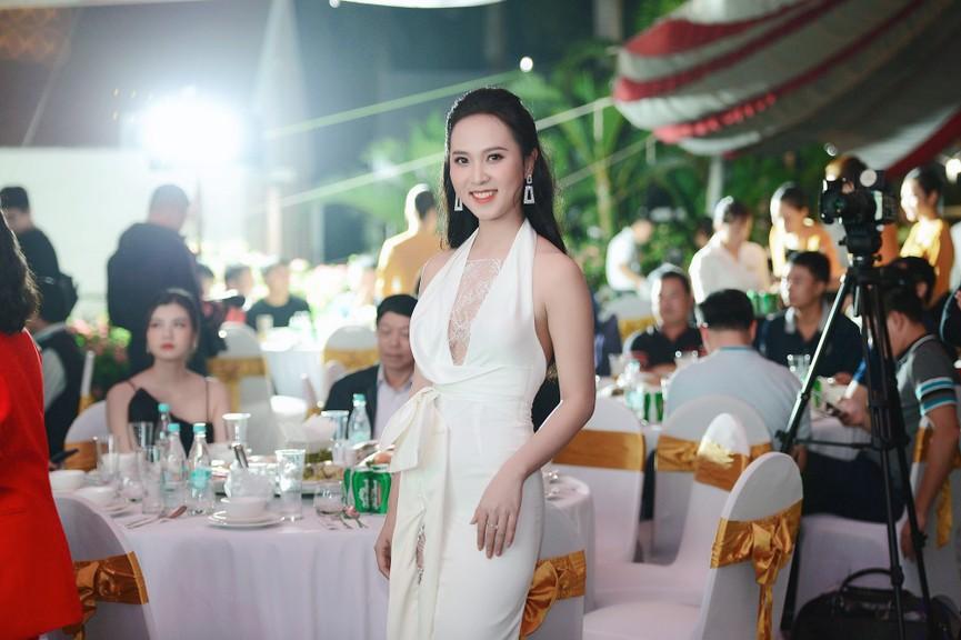 Dàn Hoa hậu, Á hậu gợi cảm tại đêm gala trao giải Tiền Phong Championship 2020 - ảnh 11