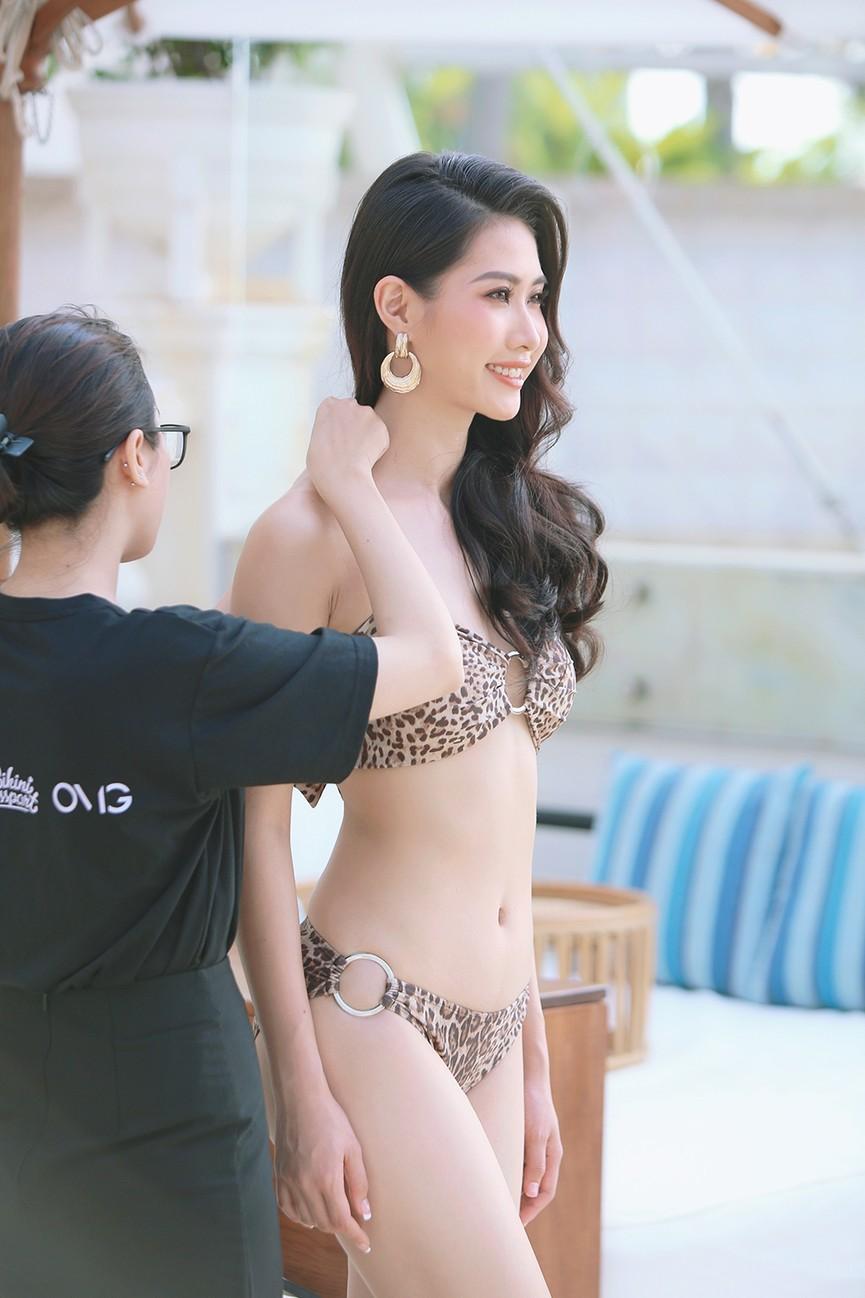 Hé lộ hậu trường chụp bikini nóng bỏng của dàn thí sinh HHVN 2020  - ảnh 4