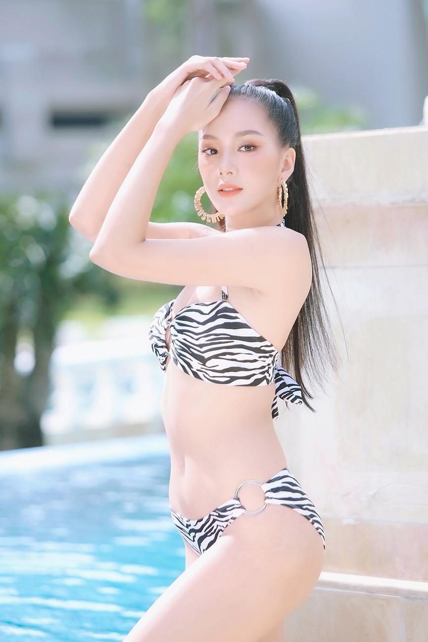 Hé lộ hậu trường chụp bikini nóng bỏng của dàn thí sinh HHVN 2020  - ảnh 11
