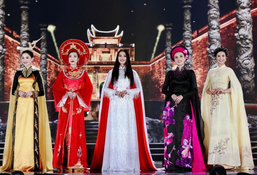 Năm Hoa hậu của thập kỷ hương sắc rạng rỡ xinh đẹp hội tụ tại chung kết HHVN 2020 - ảnh 10