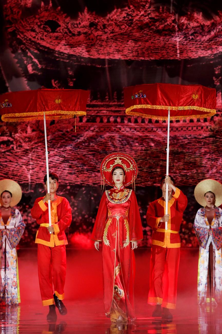 Năm Hoa hậu của thập kỷ hương sắc rạng rỡ xinh đẹp hội tụ tại chung kết HHVN 2020 - ảnh 6