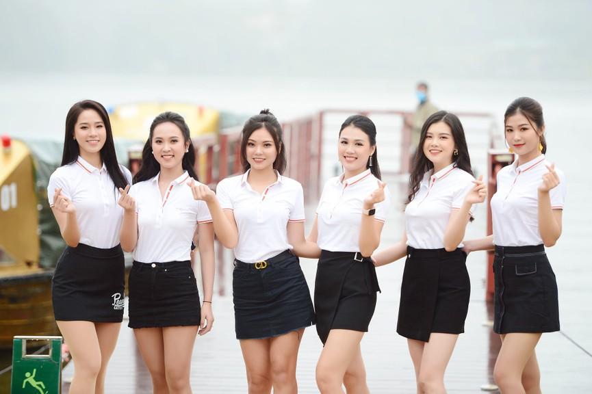 Tiểu Vy và dàn người đẹp Hoa hậu Việt Nam đẹp rạng rỡ trên sân golf  - ảnh 14