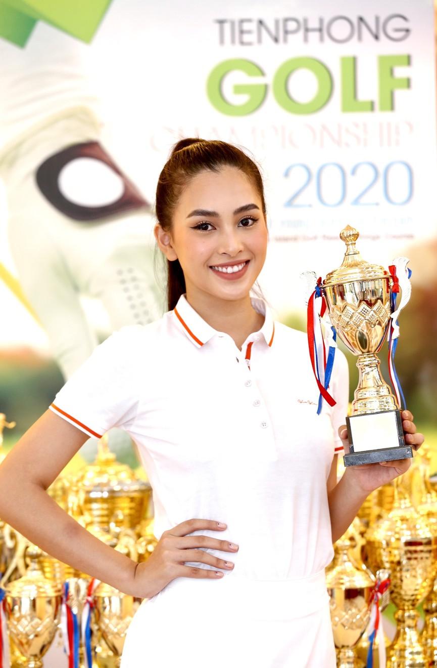 Tiểu Vy và dàn người đẹp Hoa hậu Việt Nam đẹp rạng rỡ trên sân golf  - ảnh 11