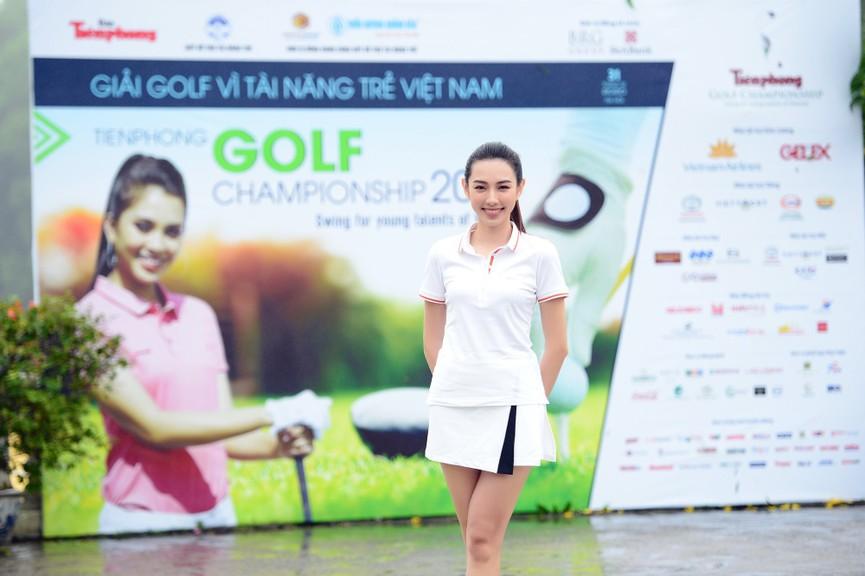 Tiểu Vy và dàn người đẹp Hoa hậu Việt Nam đẹp rạng rỡ trên sân golf  - ảnh 4