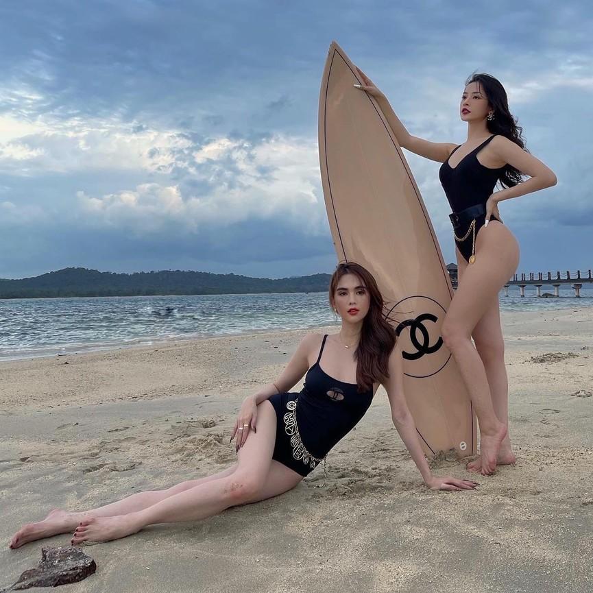 Chi Pu - Ngọc Trinh cùng phô diễn body nóng 'bỏng mắt' với áo tắm - ảnh 3