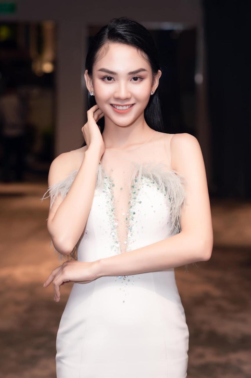 Người đẹp Nhân ái Huỳnh Nguyễn Mai Phương: Khi nhẹ nhàng như sương mai, khi sexy biến hóa - ảnh 12