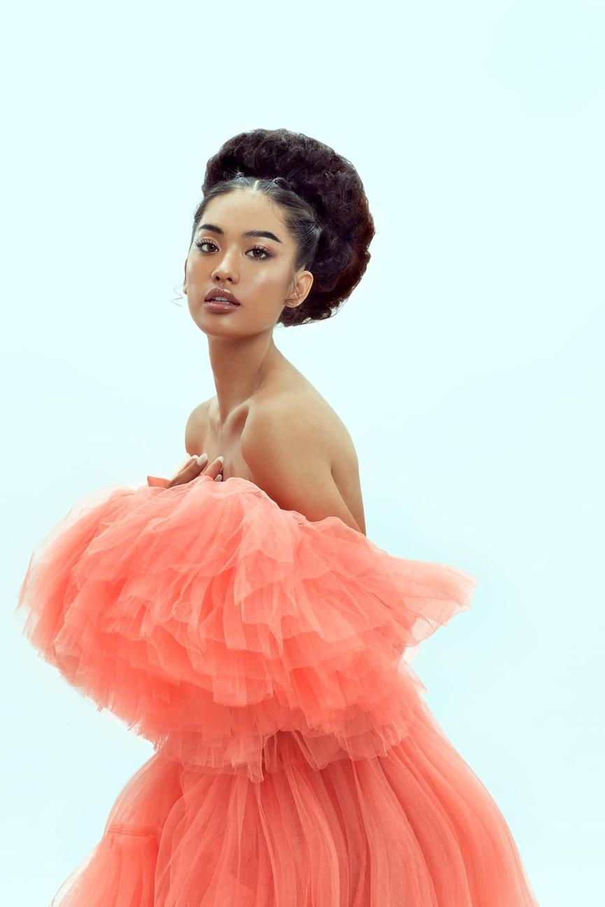 'Người đẹp Thời trang' Thanh Nhàn sải bước quyến rũ trên sàn catwalk - ảnh 6