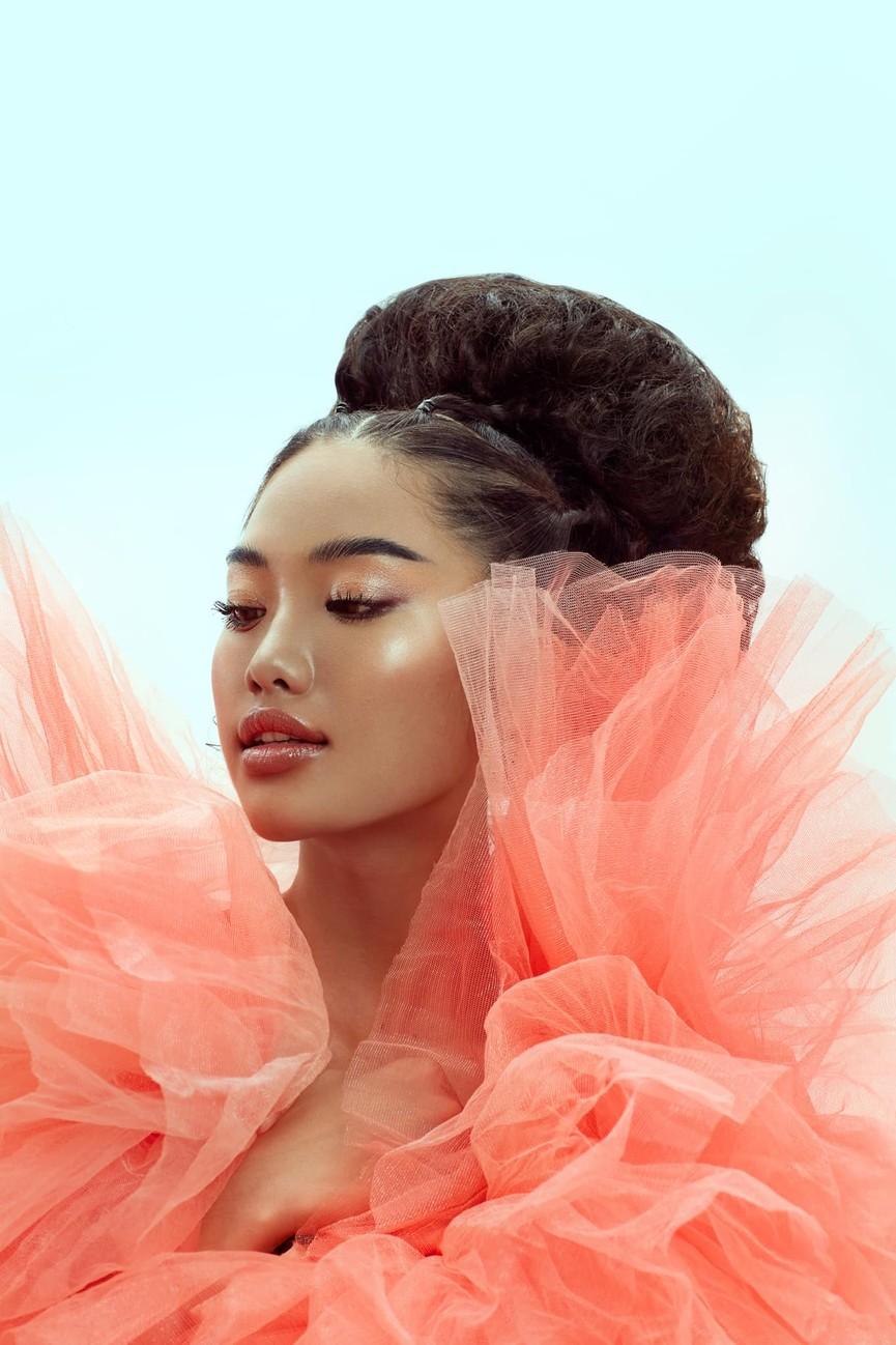 'Người đẹp Thời trang' Thanh Nhàn sải bước quyến rũ trên sàn catwalk - ảnh 7