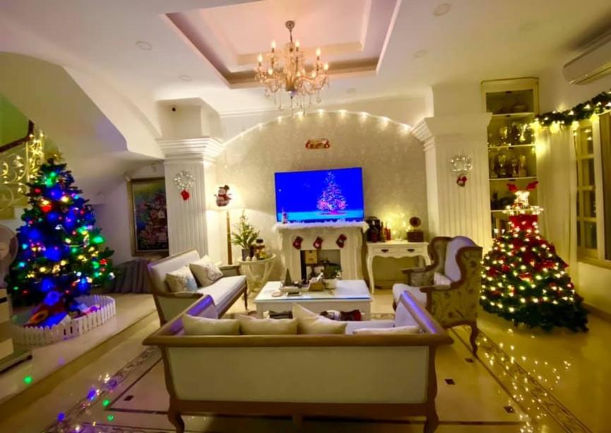Siêu mẫu Thúy Hạnh trang hoàng biệt thự triệu đô đón Giáng sinh  - ảnh 11