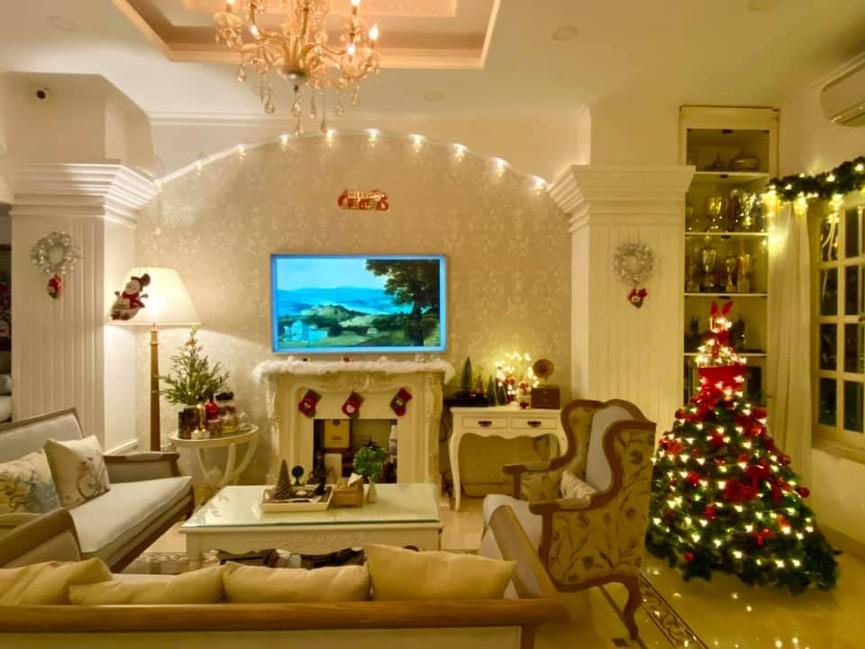 Siêu mẫu Thúy Hạnh trang hoàng biệt thự triệu đô đón Giáng sinh  - ảnh 9