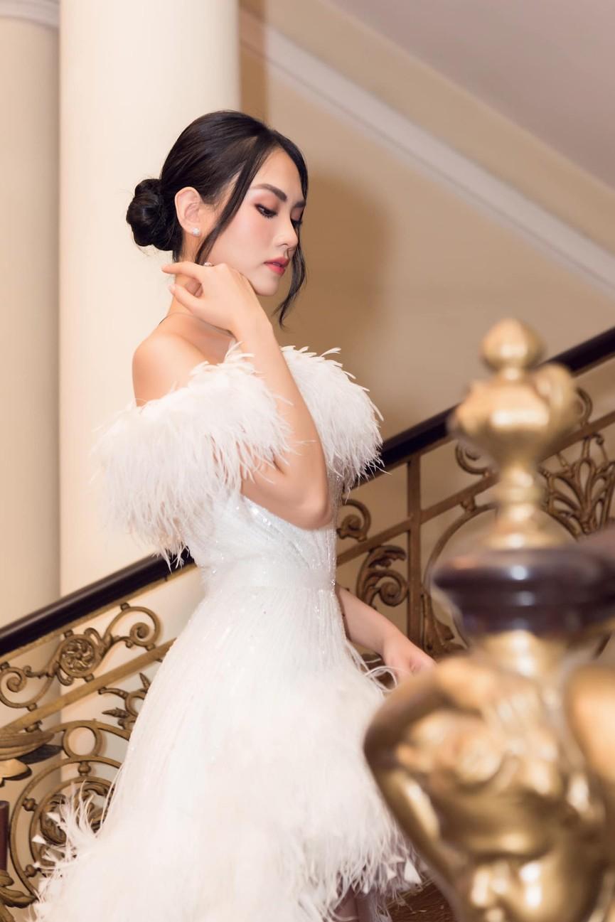Diện váy cúp ngực gợi cảm, người đẹp Huỳnh Nguyễn Mai Phương hút hồn người nhìn - ảnh 3