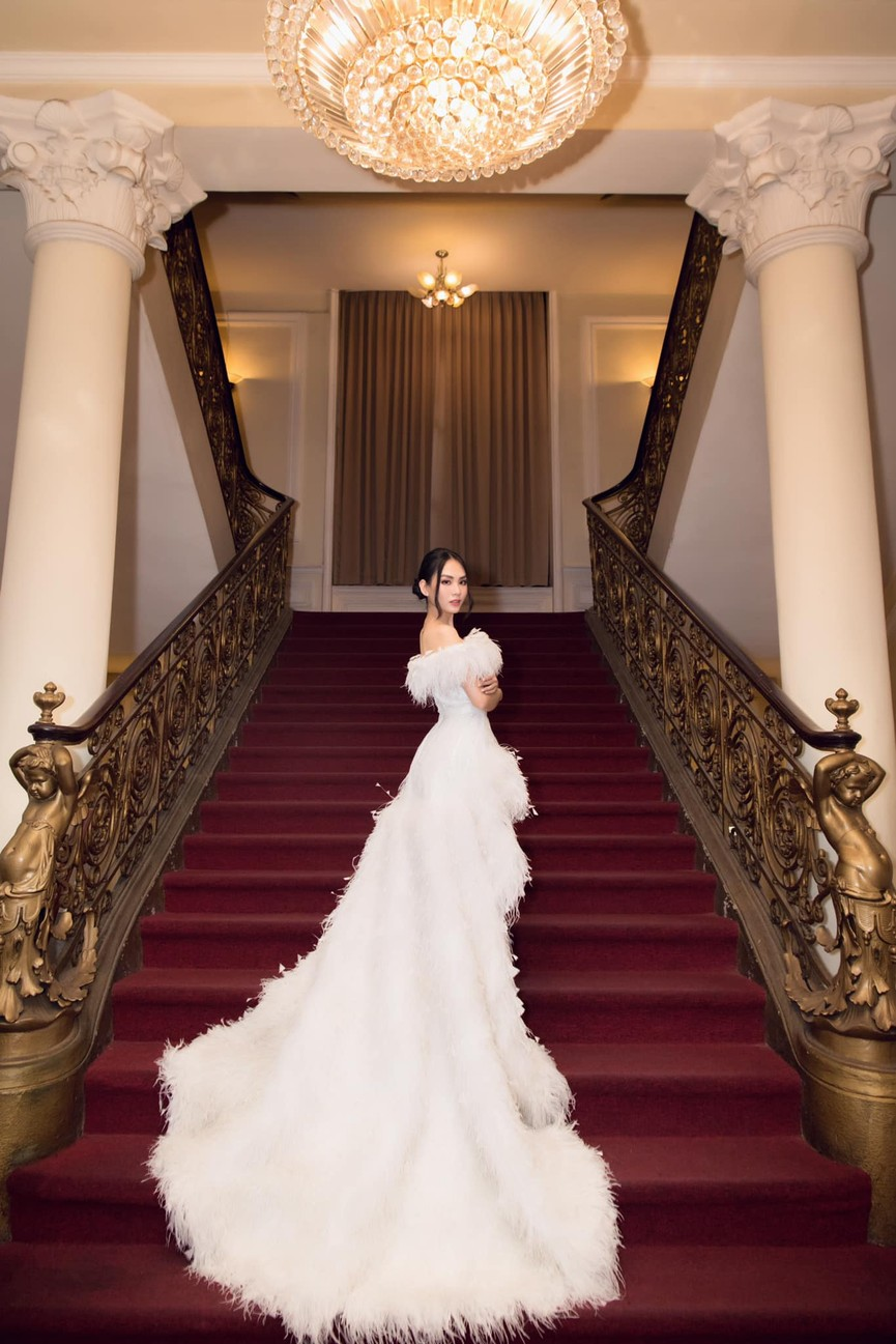 Diện váy cúp ngực gợi cảm, người đẹp Huỳnh Nguyễn Mai Phương hút hồn người nhìn - ảnh 4