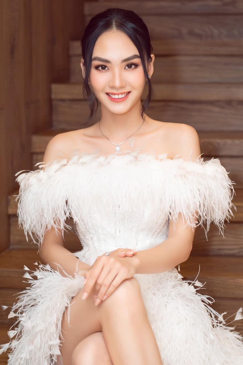 Diện váy cúp ngực gợi cảm, người đẹp Huỳnh Nguyễn Mai Phương hút hồn người nhìn - ảnh 2