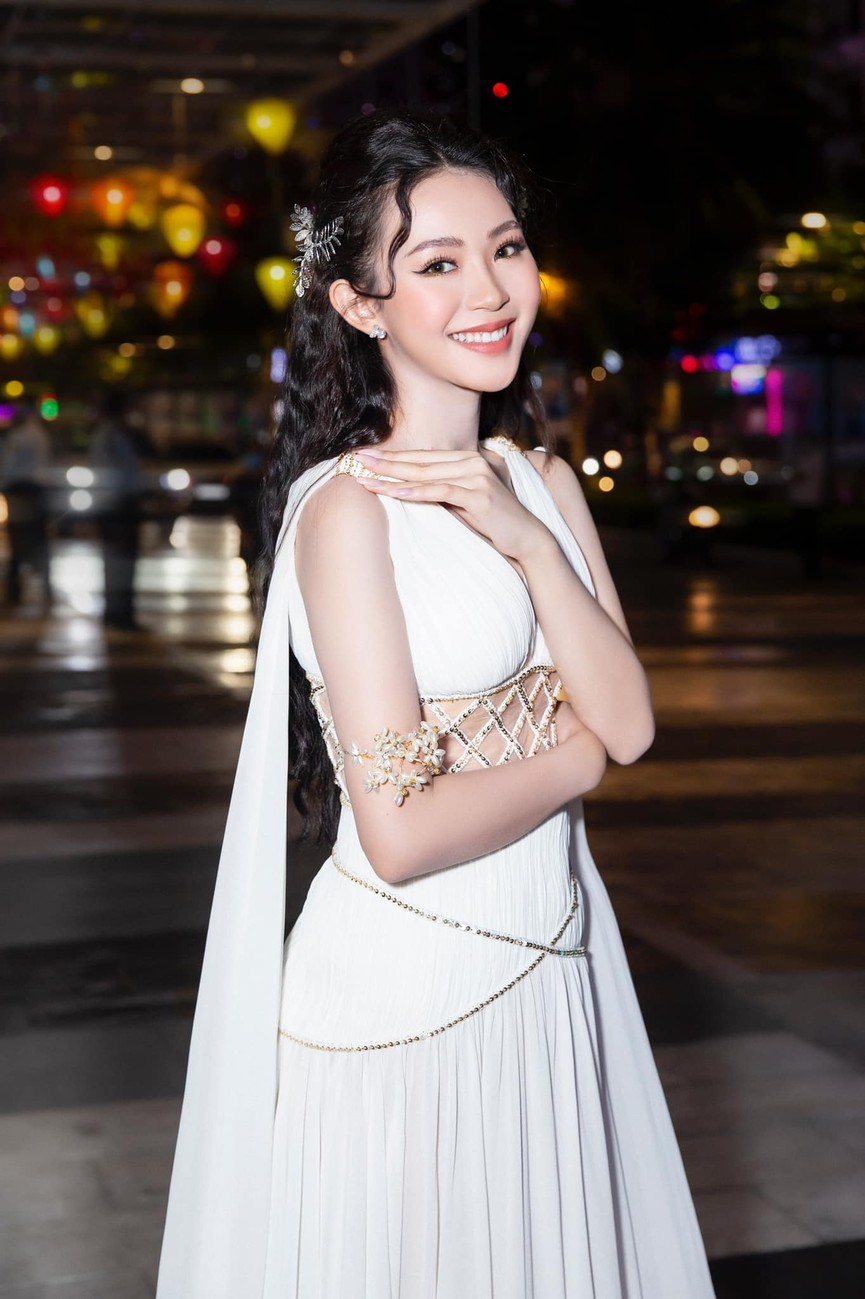 Người đẹp Cẩm Đan kiêu kỳ, Minh Anh xinh đẹp tựa nữ thần - ảnh 11