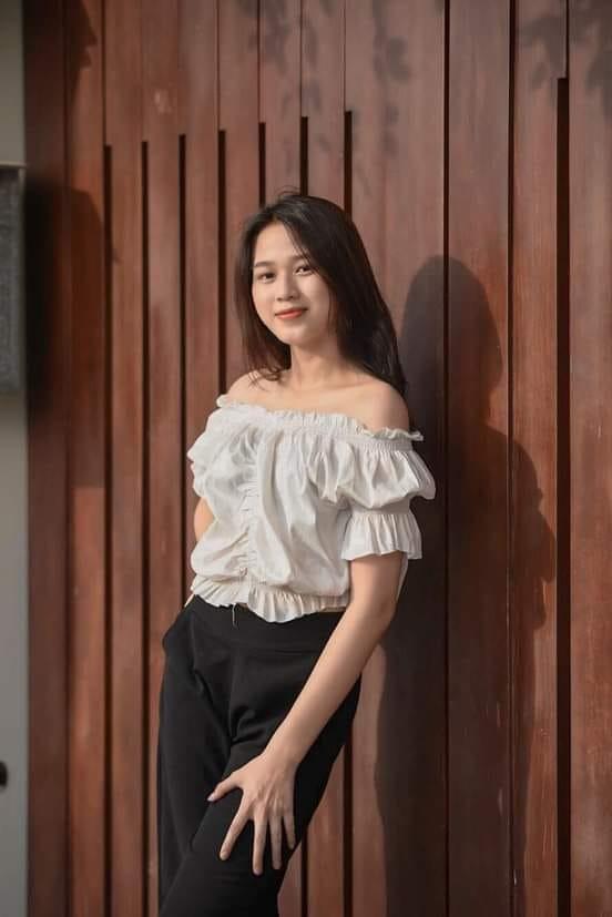 Loạt ảnh mới nhí nhảnh đáng yêu của hoa hậu Đỗ Thị Hà ở trường đại học - ảnh 7