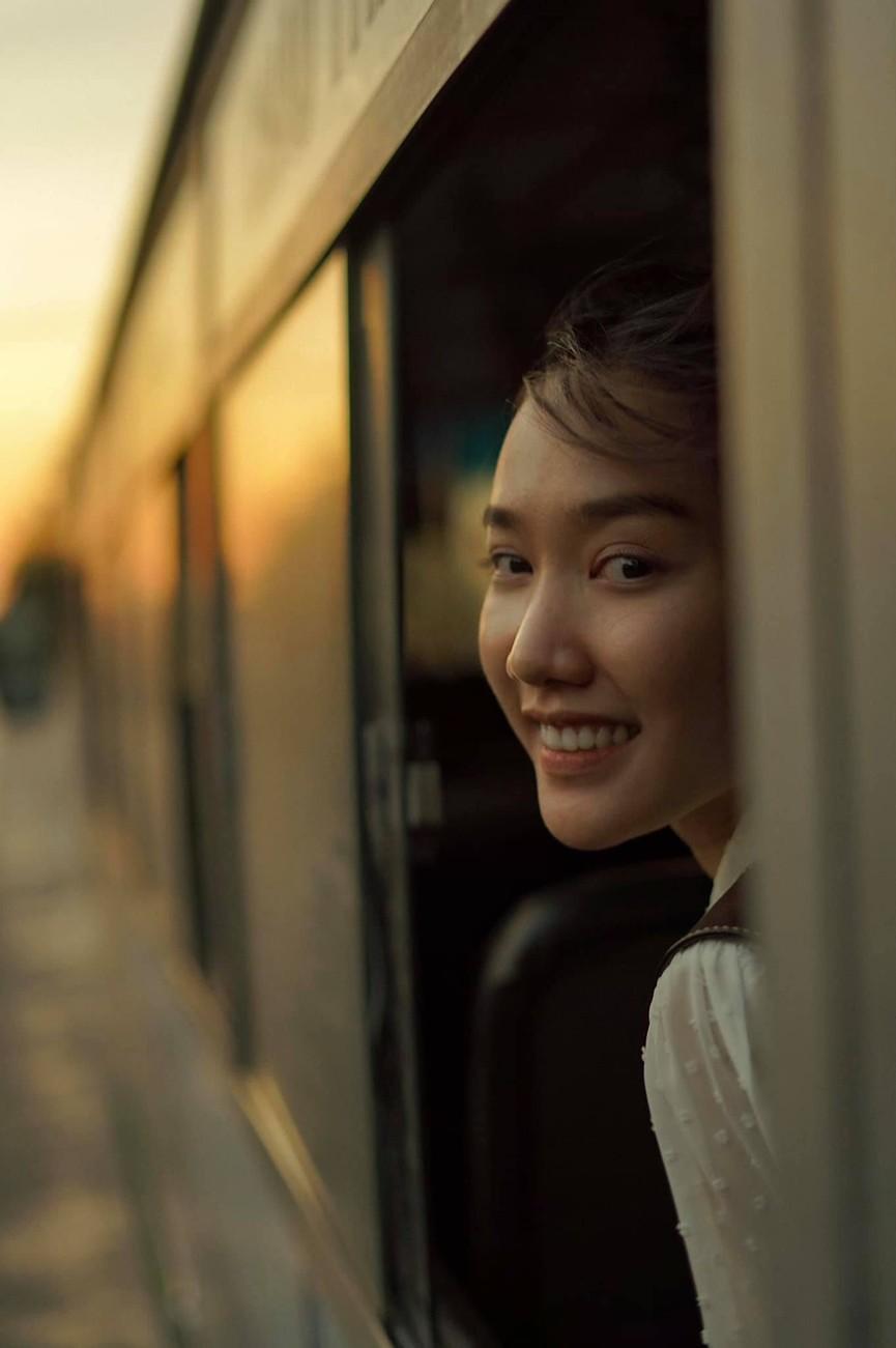 Khoảnh khắc đẹp hút hồn của cô nàng có 'Gương mặt đẹp nhất' Hoa hậu Việt Nam 2018 - ảnh 2