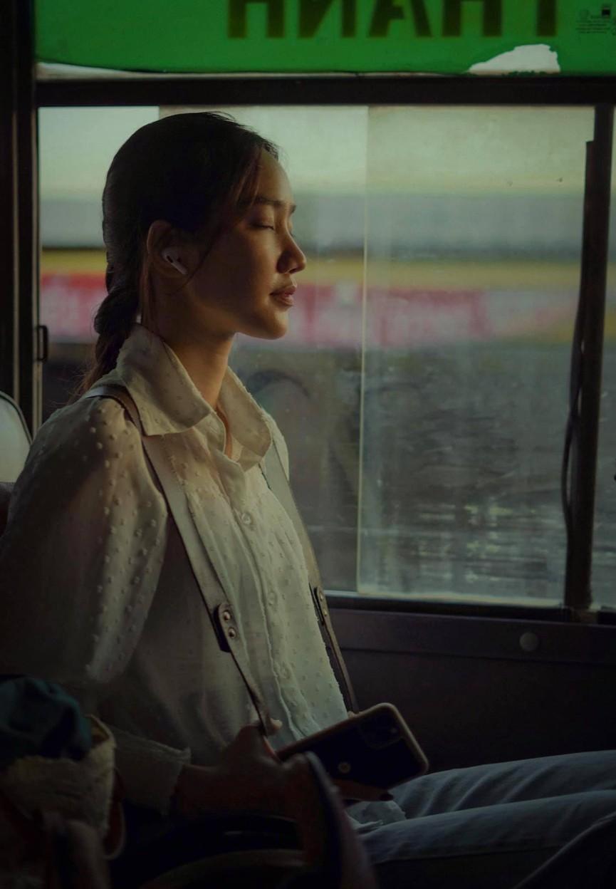 Khoảnh khắc đẹp hút hồn của cô nàng có 'Gương mặt đẹp nhất' Hoa hậu Việt Nam 2018 - ảnh 3