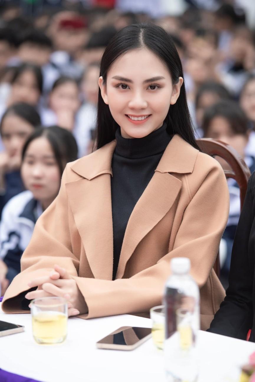 Người đẹp Nhân ái Huỳnh Nguyễn Mai Phương ấn tượng về chuyến thiện nguyện ở quê Hoa hậu Đỗ Thị Hà  - ảnh 1