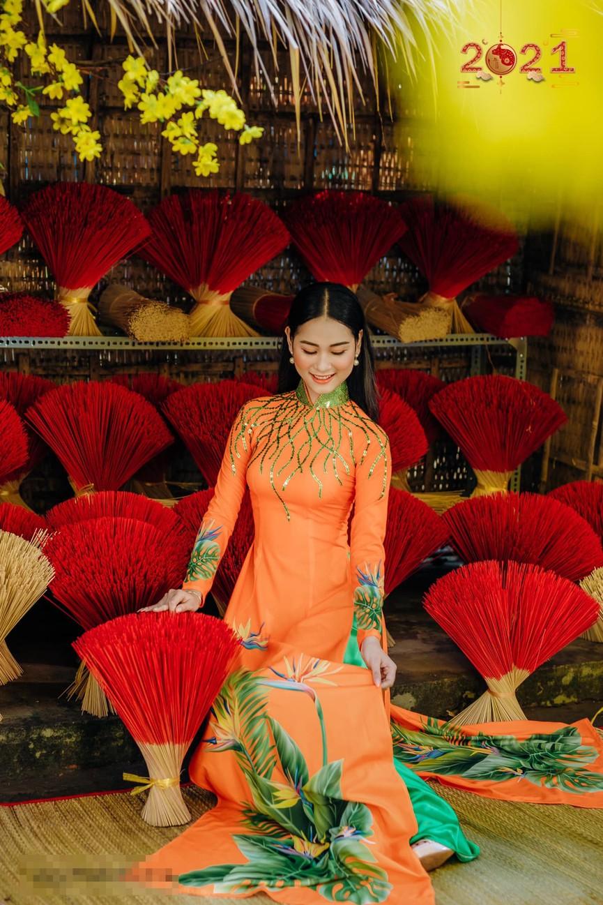 Top 5 Người đẹp Biển HHVN 2020 khoe đường cong quyến rũ với áo dài - ảnh 5