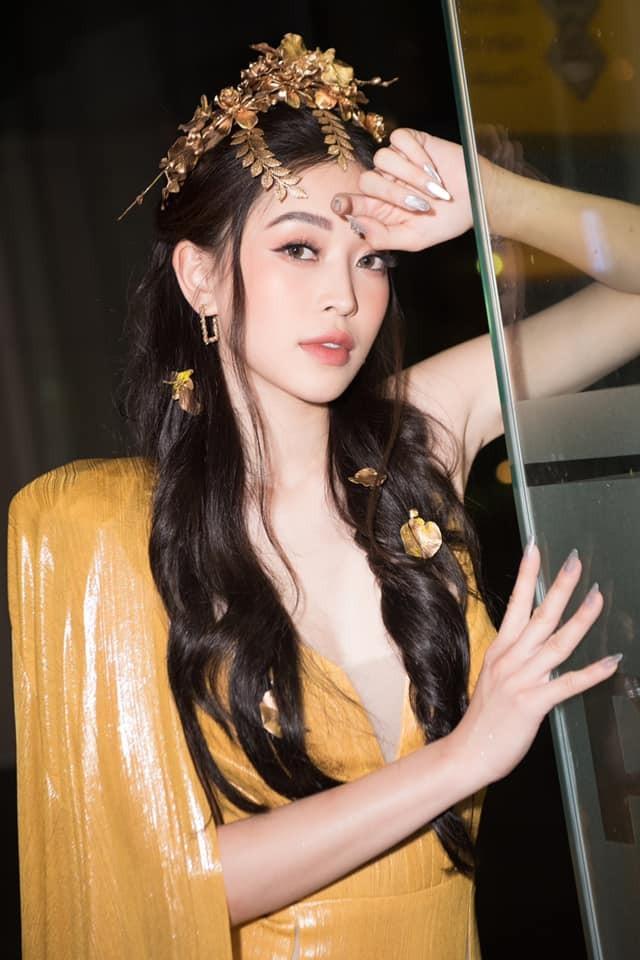 Á hậu Phương Nga diện đầm vàng hóa nữ thần kiêu sa - ảnh 2