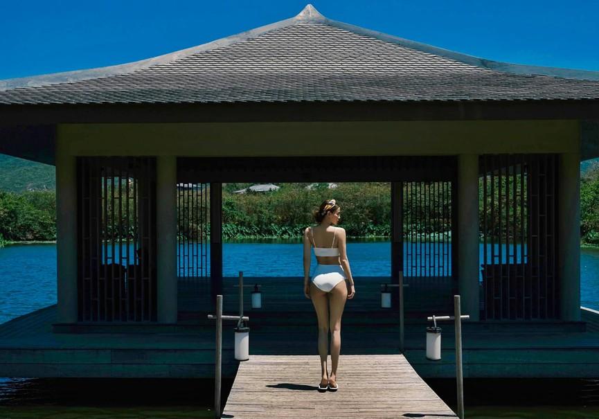 Hồ Ngọc Hà liên tục 'đốt mắt' fan với bikini khoe đường cong bỏng rẫy - ảnh 5