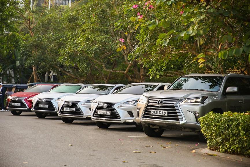Hành trình chinh phục đèo Hải Vân cùng Lexus IS - ảnh 2