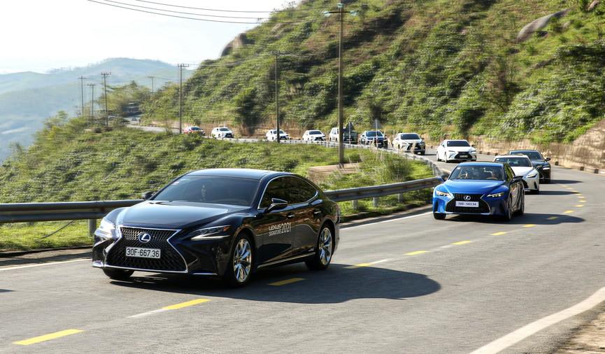 Hành trình chinh phục đèo Hải Vân cùng Lexus IS - ảnh 4