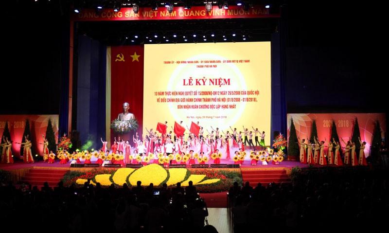 'Hà Tây quê lụa' vang lên trong Lễ kỷ niệm 10 năm sáp nhập về Hà Nội - ảnh 1