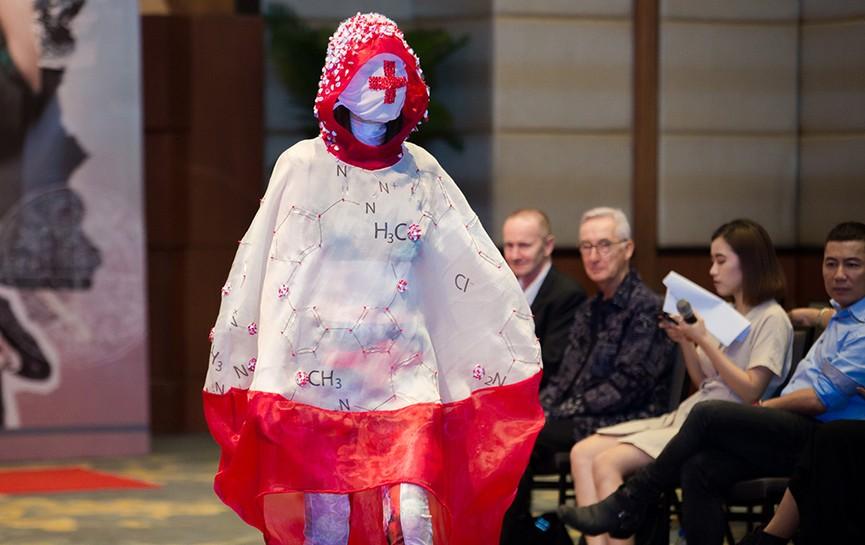 Độc đáo thời trang công thức hoá học thời 4.0 của sinh viên - ảnh 8