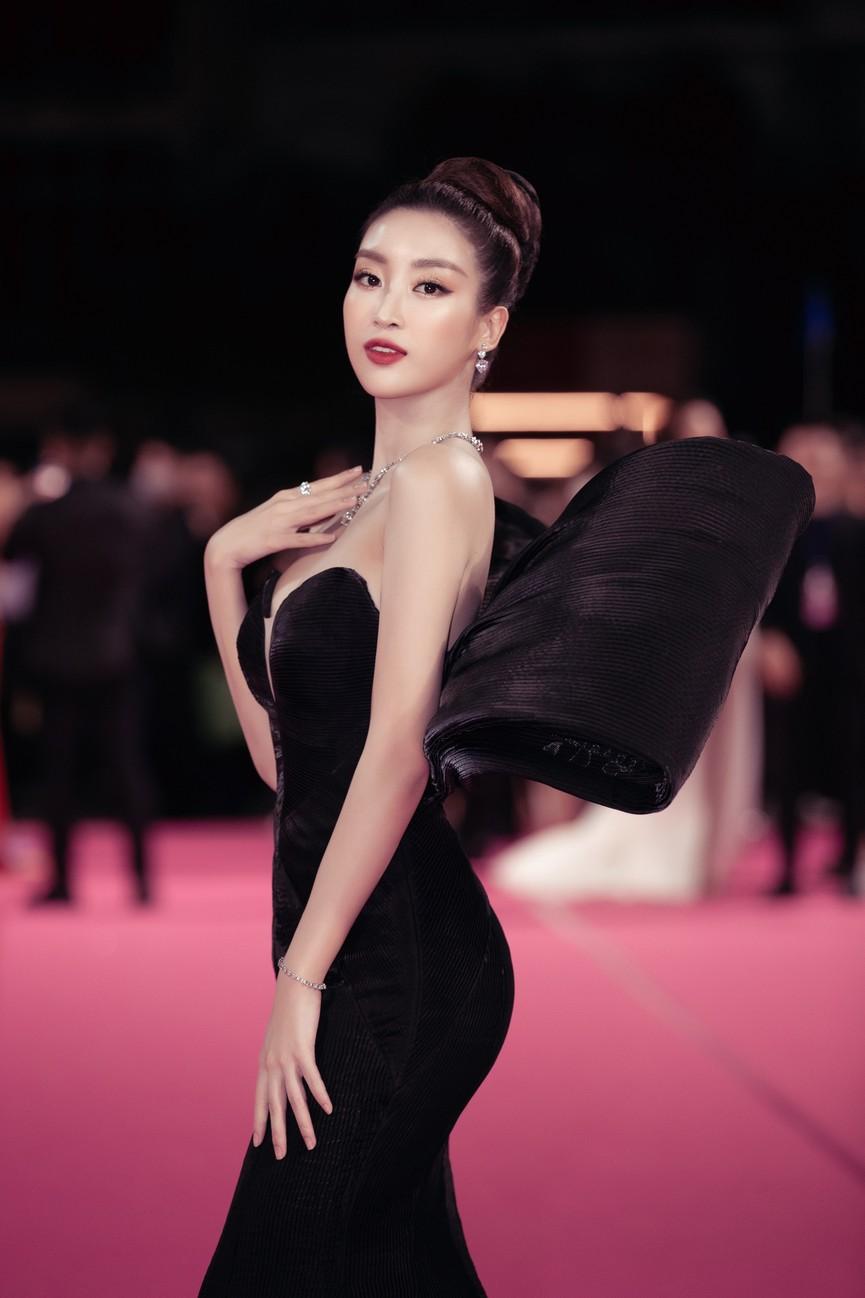 Dàn Hoa hậu, Á hậu diện váy áo cực gợi cảm trên thảm hồng chung kết HHVN 2020 - ảnh 6