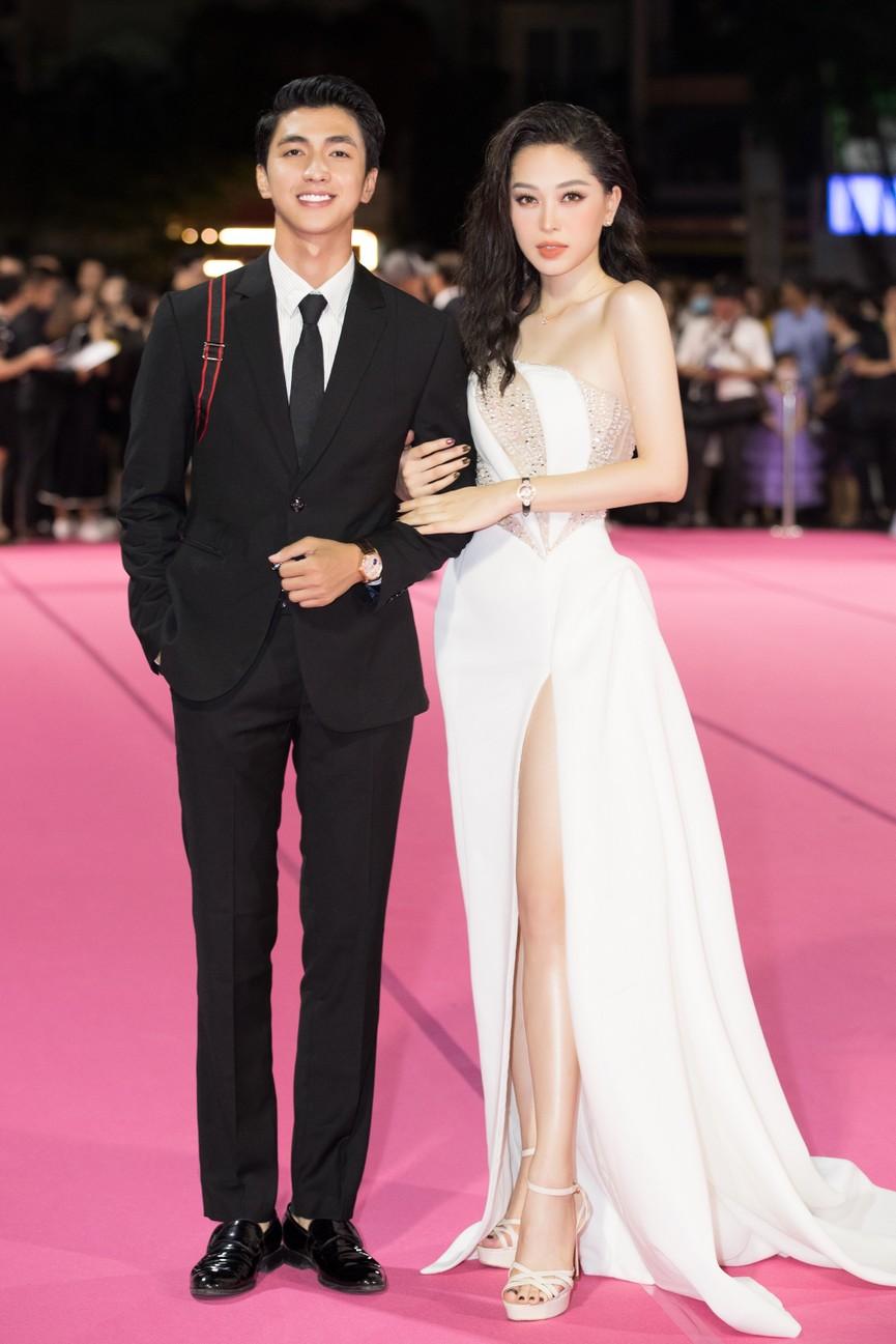 Dàn Hoa hậu, Á hậu diện váy áo cực gợi cảm trên thảm hồng chung kết HHVN 2020 - ảnh 2