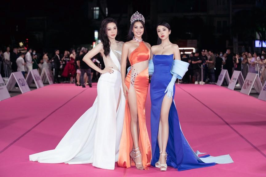 Dàn Hoa hậu, Á hậu diện váy áo cực gợi cảm trên thảm hồng chung kết HHVN 2020 - ảnh 4