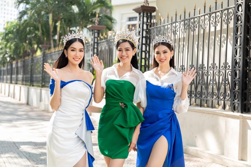 Top 3 HHVN 2020 khoe chân dài nóng bỏng, 'đọ sắc' bên Á hậu Thuỳ Dung  - ảnh 1