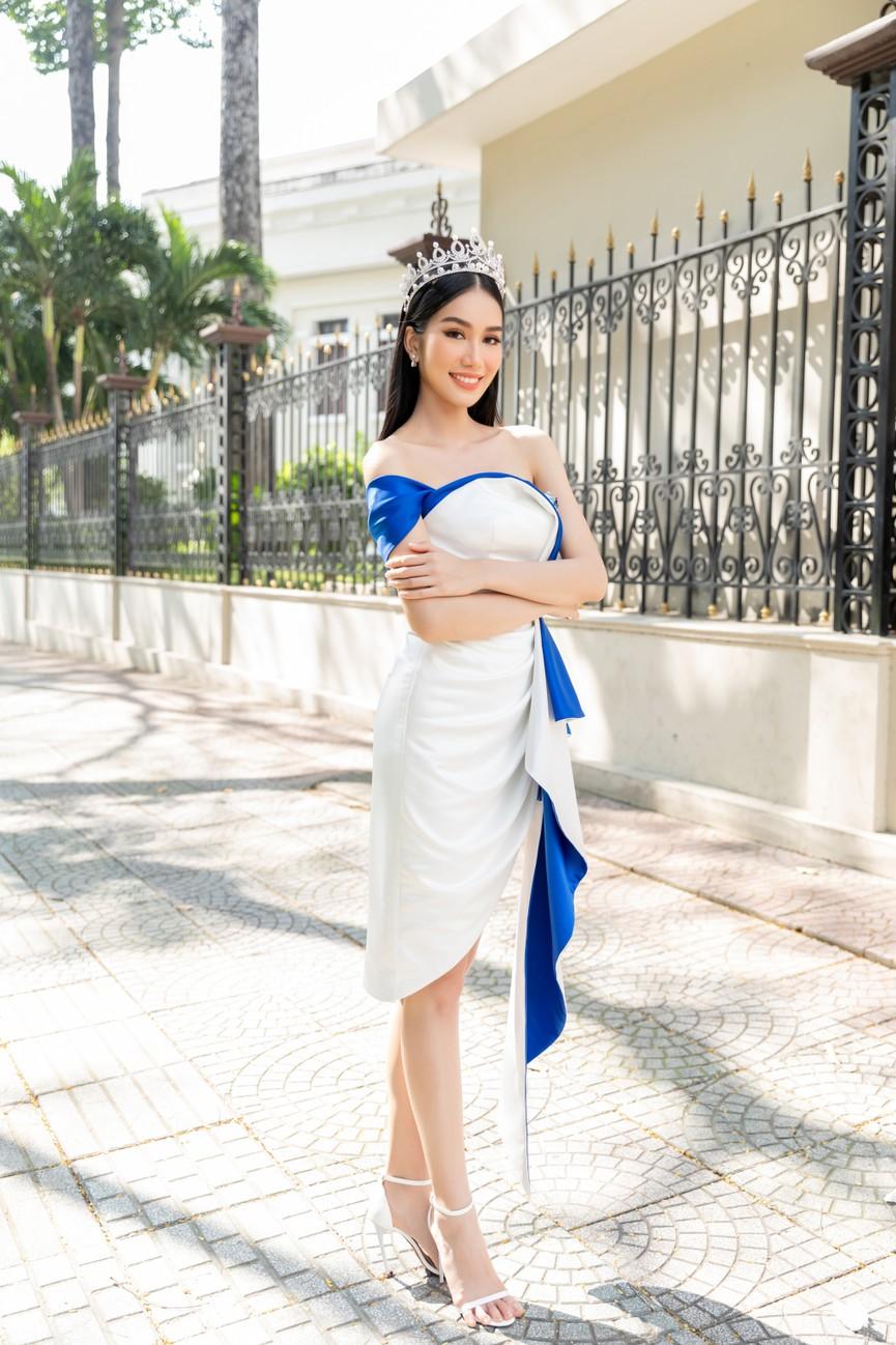 Top 3 HHVN 2020 khoe chân dài nóng bỏng, 'đọ sắc' bên Á hậu Thuỳ Dung  - ảnh 3