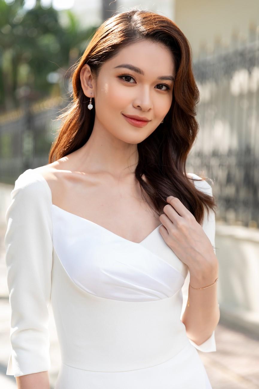 Top 3 HHVN 2020 khoe chân dài nóng bỏng, 'đọ sắc' bên Á hậu Thuỳ Dung  - ảnh 8