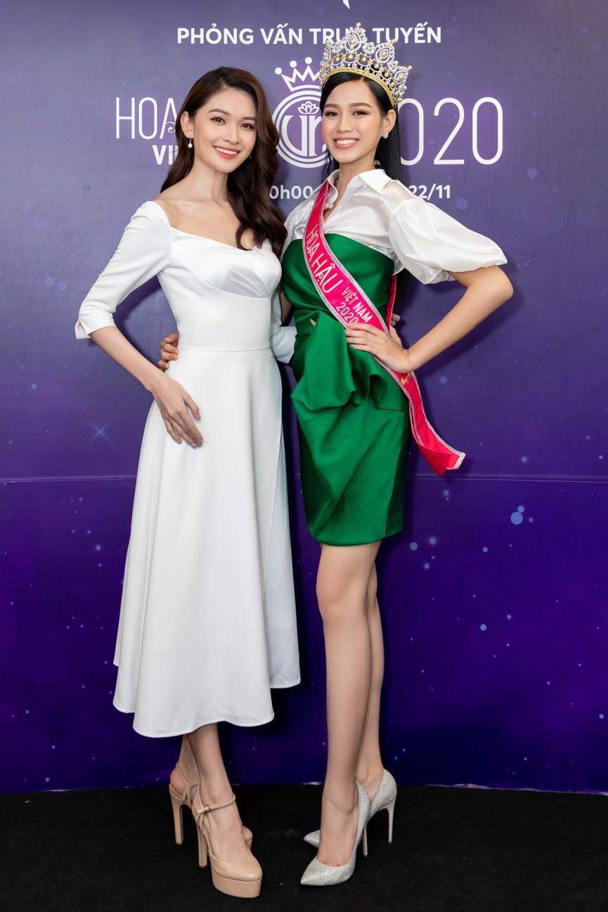Top 3 HHVN 2020 khoe chân dài nóng bỏng, 'đọ sắc' bên Á hậu Thuỳ Dung  - ảnh 13