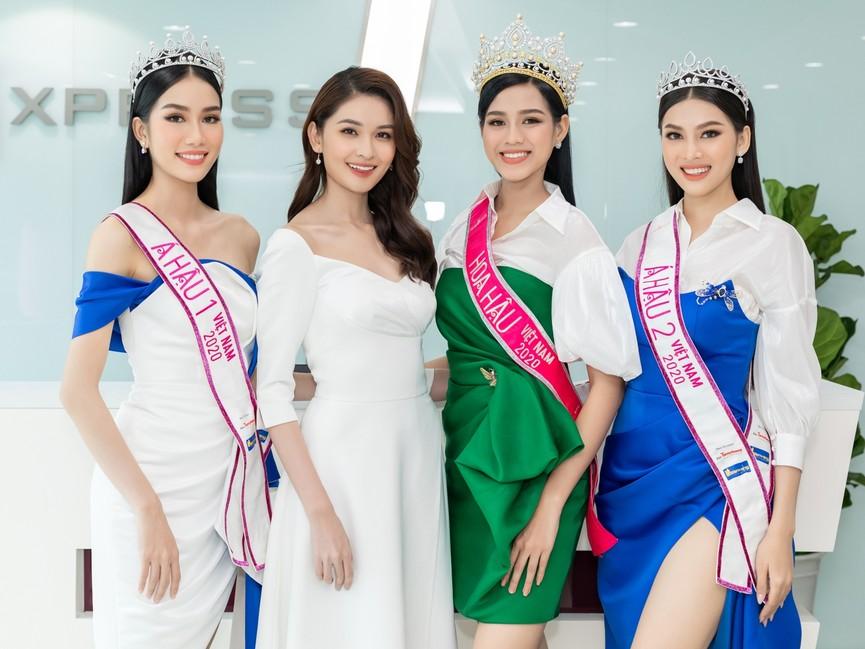 Top 3 HHVN 2020 khoe chân dài nóng bỏng, 'đọ sắc' bên Á hậu Thuỳ Dung  - ảnh 15