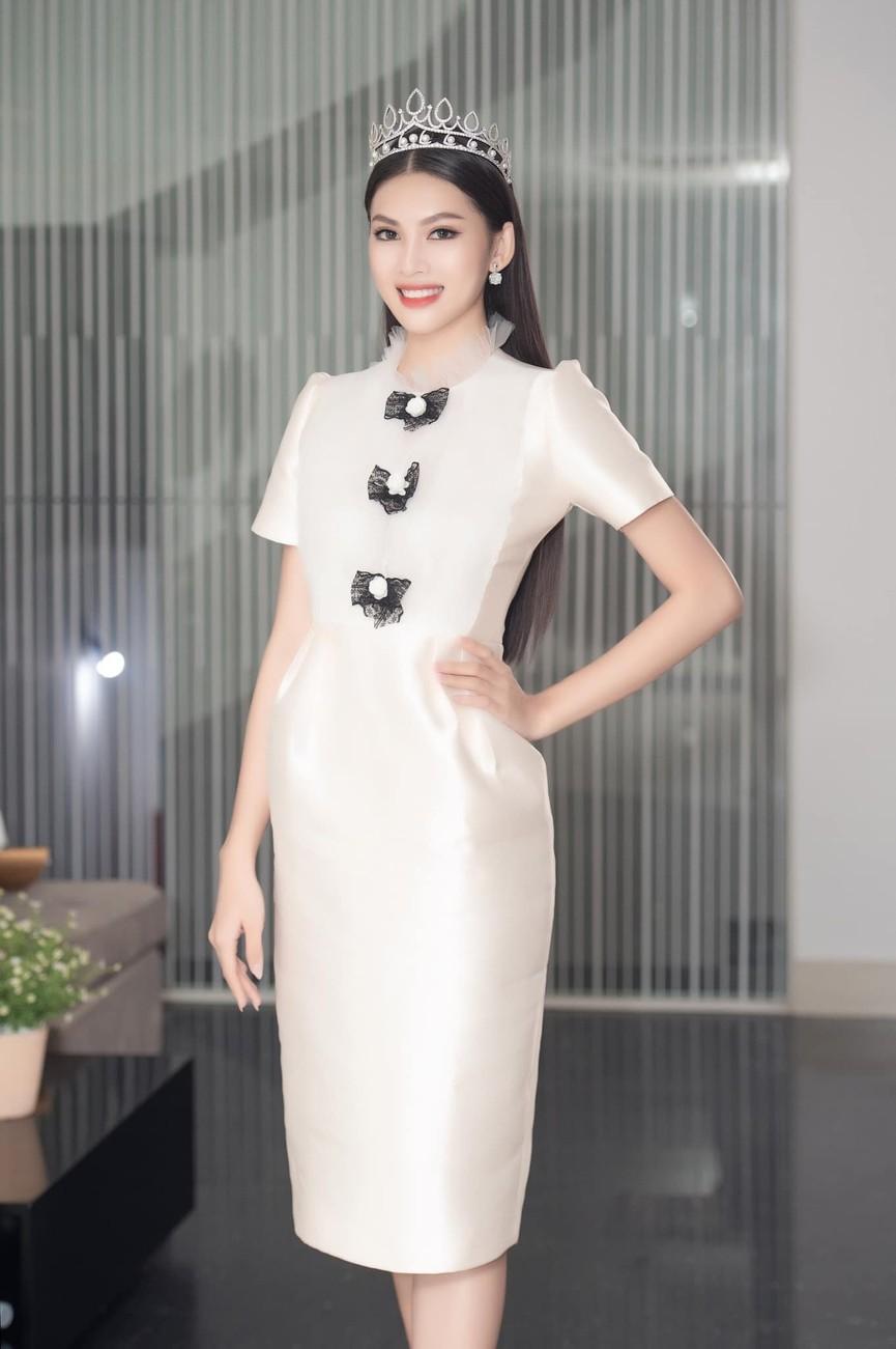 Gu thời trang ngày càng 'thăng hạng' của Top 3 Hoa hậu Việt Nam 2020 sau đăng quang  - ảnh 14