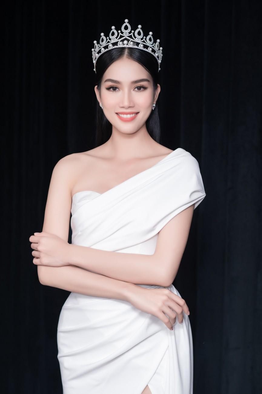 Gu thời trang ngày càng 'thăng hạng' của Top 3 Hoa hậu Việt Nam 2020 sau đăng quang  - ảnh 8