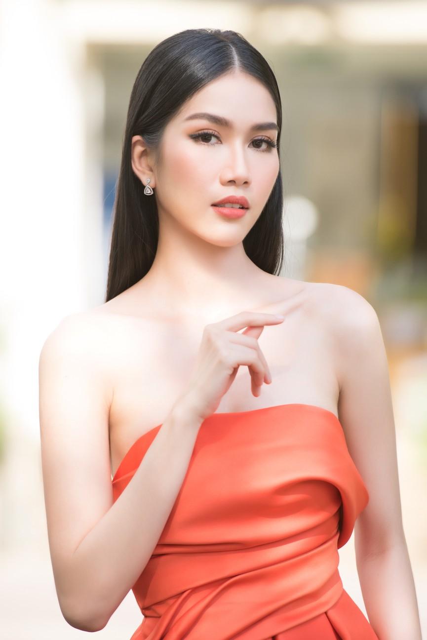 Gu thời trang ngày càng 'thăng hạng' của Top 3 Hoa hậu Việt Nam 2020 sau đăng quang  - ảnh 9