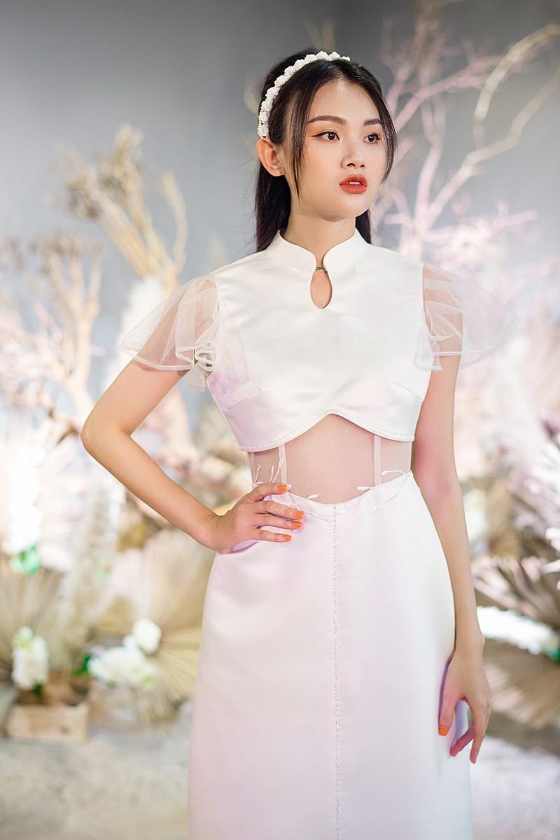 Văn Hậu mặc áo trắng như soái ca, cổ vũ Người đẹp Tài năng Doãn Hải My diễn áo cưới - ảnh 10