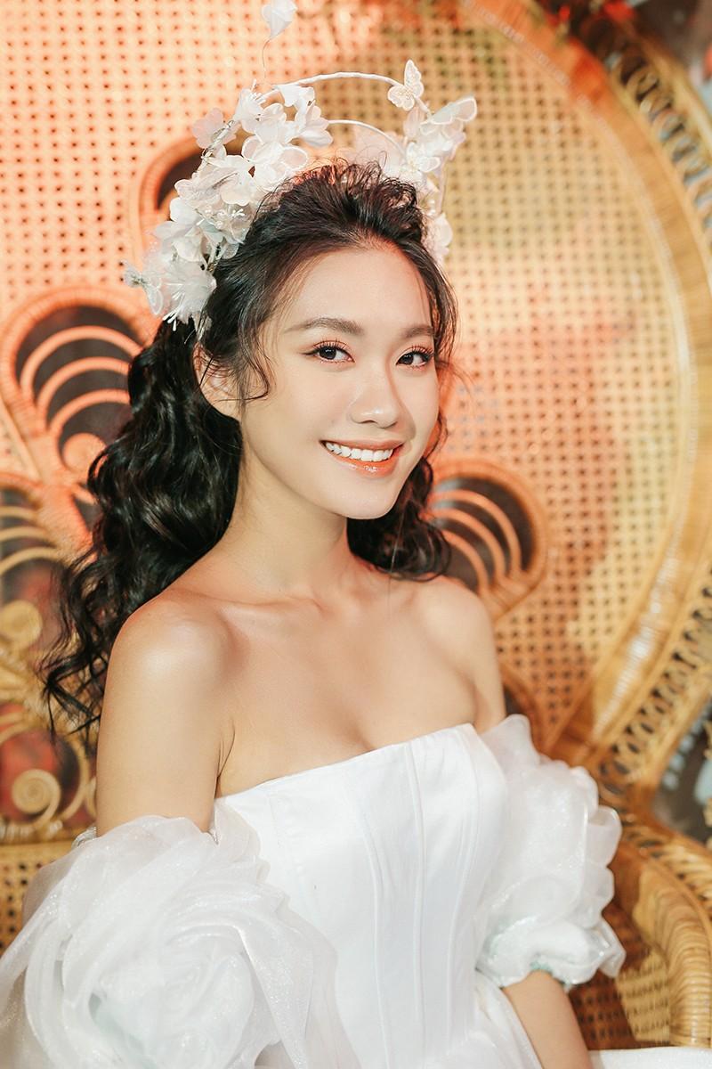Văn Hậu mặc áo trắng như soái ca, cổ vũ Người đẹp Tài năng Doãn Hải My diễn áo cưới - ảnh 7