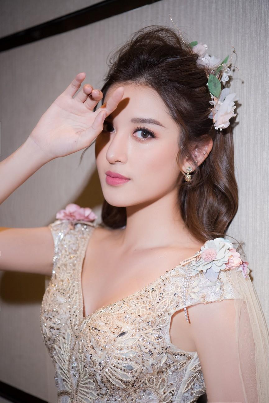 Tái xuất sàn catwalk, Á hậu Huyền My gây thương nhớ với váy công chúa gợi cảm - ảnh 6